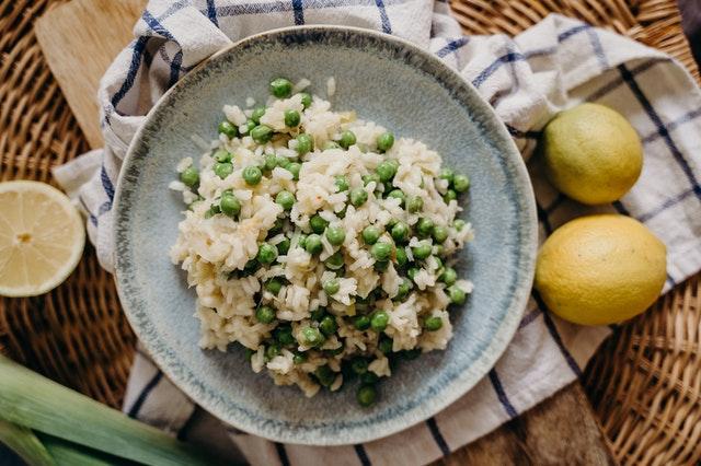 riz aux légumes avec un cuiseur à riz