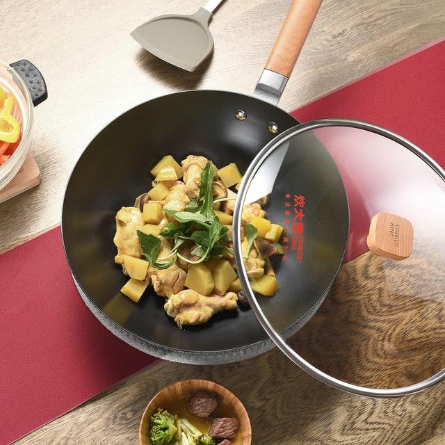Choisir son wok électrique : le comparatif