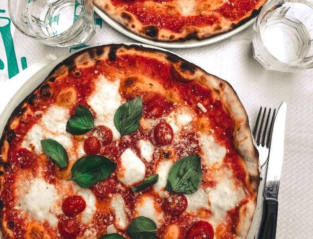 Les Meilleurs Four à pizza électrique : guide d'achat